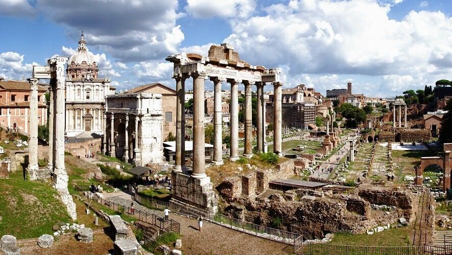 Foro Romano y el Paladín en Roma, Italia