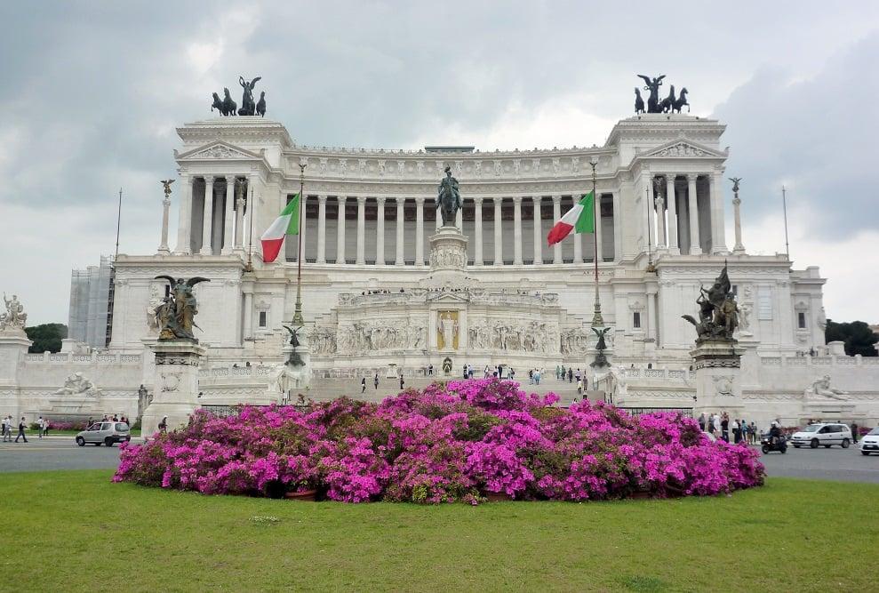 Vittoriano y Piazza Venezia en Roma, Italia