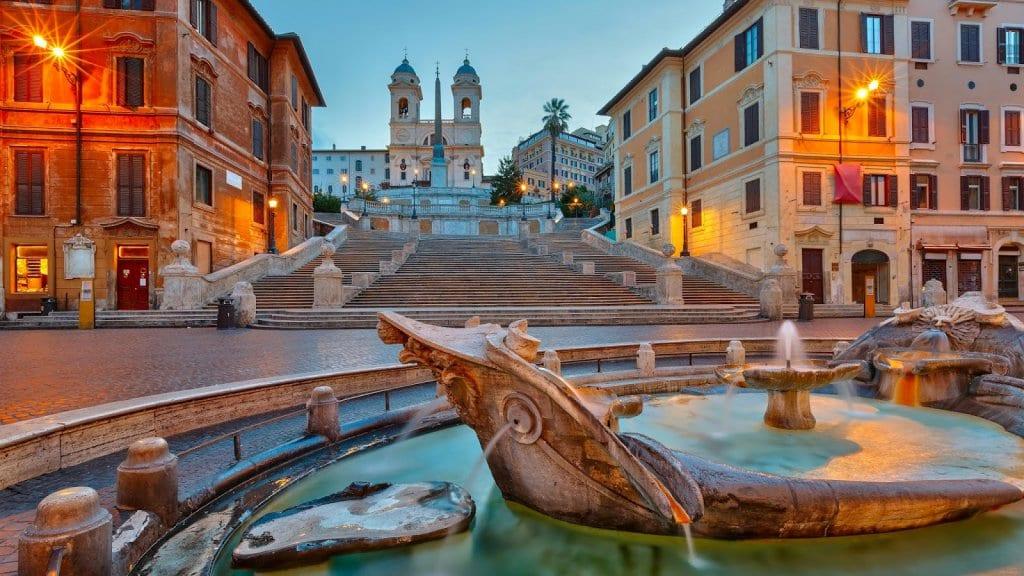 Plazas de Roma en Italia