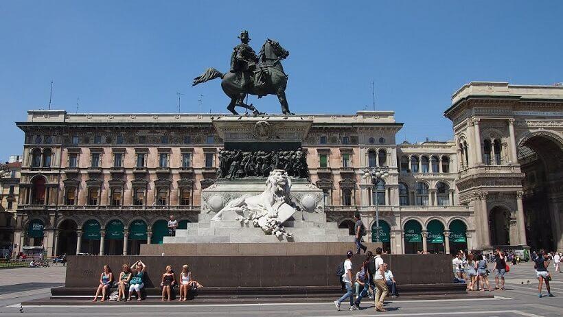 Monumento ecuestre de Vittorio Emanuele II en Milán
