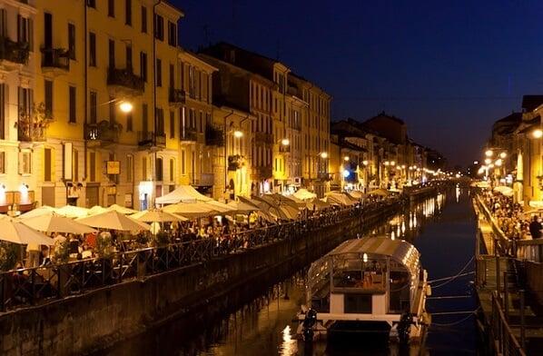 Alojarse en la región de Navigli en Milán