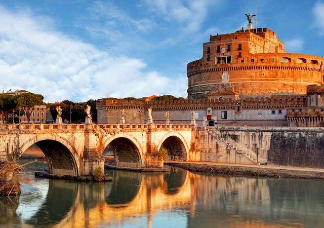 Entradas para la visita guiada al Castillo de Sant'Angelo con subida a la terraza
