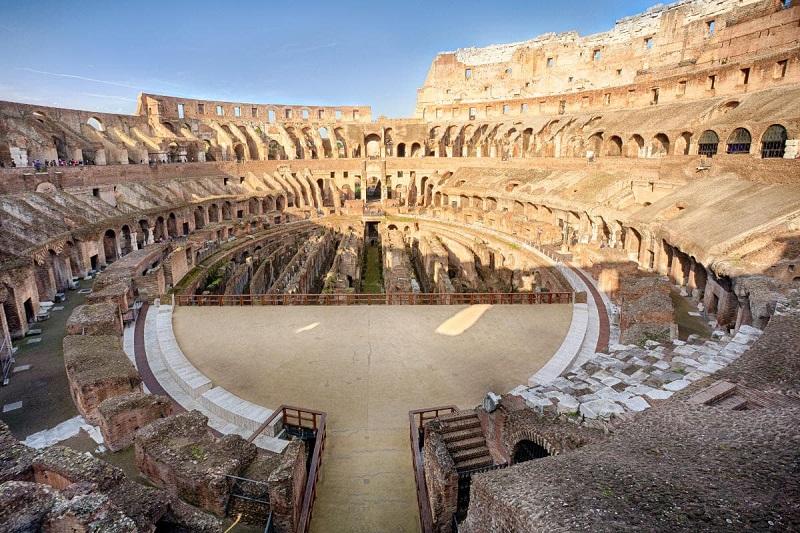Arena de los Gladiadores en el Coliseo de Roma