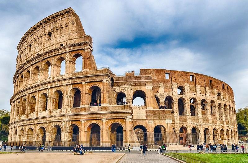 El Coliseo, principal atracción turística de Roma