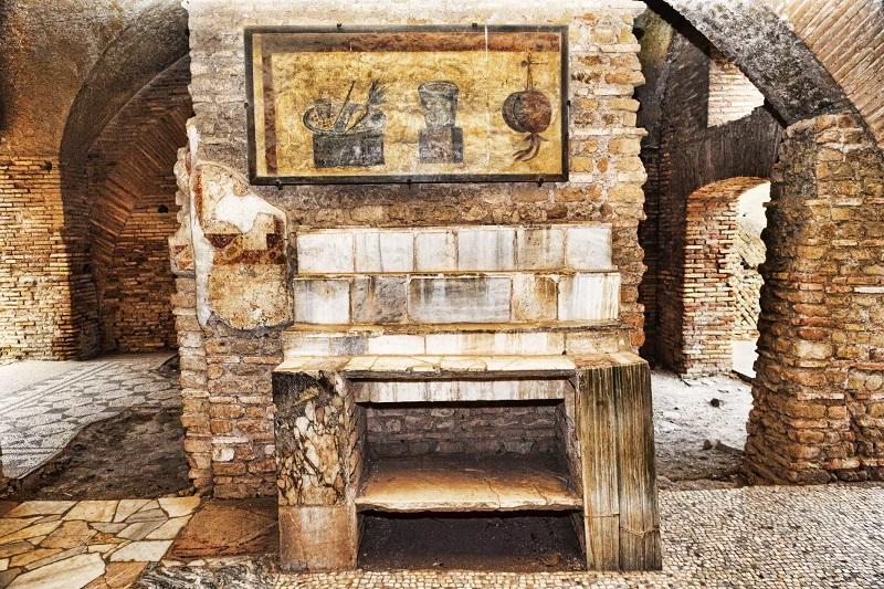 Ruinas que aún se conservan en Ostia Antica en Roma
