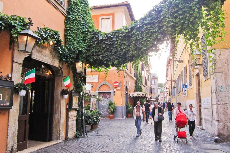 Calle del barrio Trastevere en Roma