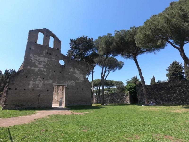 Ruina en la Via Appia de Roma