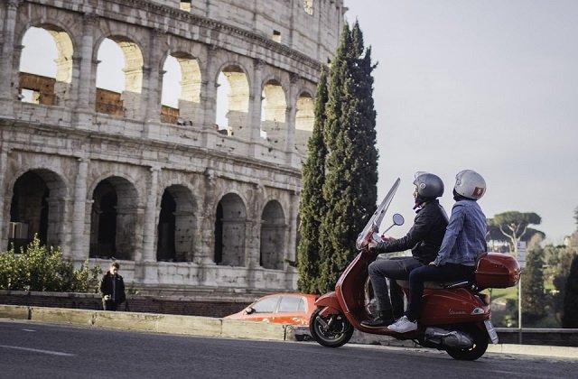 Billetes de alquiler de motos en Roma